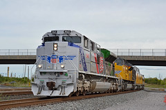 Heading West (ERIE1960) Tags: railroad railfan trains csx unionpacific emd selkirk
