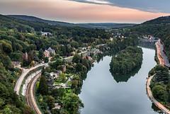 Lustin - Profondeville, un regard sur la Meuse (cedant1) Tags: lustin profondeville blue hour train longexposure meuse namur traffic