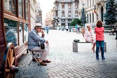 (fernando_gm) Tags: rumania bucharest bucarest bucureşti street calle callejera colour city color ciudad people person persona personas gente human hombre fujifilm fuji f14 35mm xt1 lifestyle airelibre