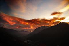 Valcamonica - tramonto (il goldcat) Tags: goldcat tramonto rosso red sundown vallecamonica cevo valsaviore alp alpi montagna mountain