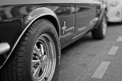 Black legend (Guillaume DELEBARRE) Tags: canon 5d4 50f12 50mm f12 mustang car ford supercar musclecar wheel dof largeaperture carroserie blackandwhite bw noiretblanc whiteandblack monochrome street urban city town