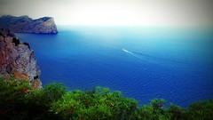 """Le Grand Bleu"" (endresárvári) Tags: mallorca blue boat nature bush rock green spain canon island balear balearislands landscape sea seascape"