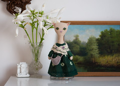 white cat in green dress (free_dragonfly) Tags: dollphoto doll toys toyphoto cat handmade knitting embroidery white green