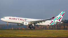 Airbus A330-200 / EI-GGO (Roope Nikkinen) Tags: airbus a330 a330300 airitaly helsinki efhk spotting autumn canon tamron finland landing touchdown