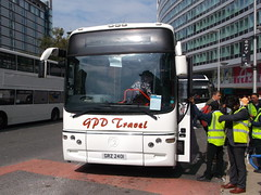 GPD Travel GRZ2401 01092018 (Rossendalian2013) Tags: bus manchester piccadilly railway station railreplacement gpdtravelheywood coach grz2401 volvo b12m transbus paragon yn53vbg loonatcoachesbatley