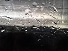 (dianasantucci) Tags: autunno temporale moments photo flickr iphone gocce dettagli blackandwhite biancoenero travel pioggia treno