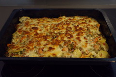 DSC09139 (Kirayuzu) Tags: kartoffelauflauf gemüseauflauf auflauf gemüse kartoffeln erbsen karotten speck bacon essen food selbstgekocht selbstgemacht