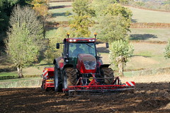 McCormick X 7.650 + Vogel & Noot ProfiDrill D300 (Philippe-03) Tags: mccormick tracteur tractors agriculture campagne semis vogelnoot