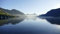 misty morning Lake Lucerne Alpnachersee Switzerland (roli_b) Tags: nebel neblig misty morning morgen magic light shadow schatten see lago water lake lucerne lakelucerne alpnachersee vierwaldstättersee zentralschweiz suisse suiza svizzera schweiz switzerland herbst 2018 landscape nature