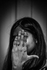 hands #7 (Robert Borden) Tags: woman women monochrome blackandwhite monochromephotography portrait portraitphotography retratos 50mm 50mmlens fuji fujifilmxt2 fujifilm fujiphoto santaclarita la losangeles socal