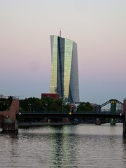 European Central Bank (sharon.corbet) Tags: ezb europeancentralbank frankfurt germany hessen skyscraper mainriver 2018 dusk