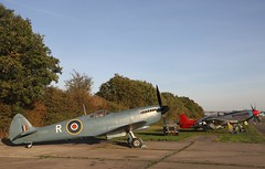 Two iconic WWII aircraft (Andrew Edkins) Tags: spitfire raf p51 mustang supermarine canon geotagged light flight flying timelineevents aviation northweald airfield worldwarii fighter reconnaissance sun september 2018 autumn