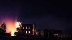 Kenilworth Castle at Night I (rodriguesfhs) Tags: rodriguesfhs kenilworth kenilworthcastle castle ruins castleruins night evening sky stars light architecture warwickshire monument england