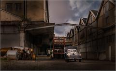 y a quelqu'un ? (kalzennyg) Tags: nantes urbex usine factory decay architecture industriel industry kalzennyg