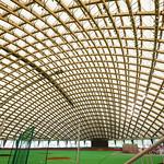 Indoor is multi-purpose field, based on baseball stadium. 中は野球場を基本とした多目的施設なのです。この日は1/4面を使ってフリマ(?)みたいな催しでした。