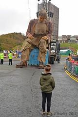 Lone girl and the Giant (James O'Hanlon) Tags: giants giant liverpool spectacular liverpoolspectacular liverpoolsdream dream liverpools 3 3giants threegiants new brighton newbrighton wirral beach fortperchrock royal de luxe royaldeluxe jeanluc courcoult jeanluccourcoult dog walk drink