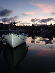 Sunset (Marta T.L.) Tags: mar sea mediterráneo mediterranean barco barca boat atardecer sunset sky cielo reflejo puerto port harbor reflex dusk anochecer