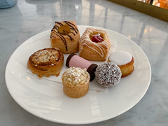 Chocolate danish, raspberry danish, almond cake, chocolate ball, apple cake, cinnamon roll, marzipan (loustejskal) Tags: stockholm sweden wienercaféet pastry dessert cafe stockholmrestaurant