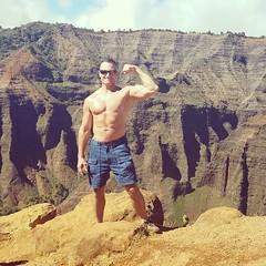 waimea canyon (ddman_70) Tags: shirtless pecs abs muscle flexing hiking