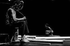 Foto- Arô Ribeiro -4041 (Arô Ribeiro) Tags: candidportrait streetleaks timelessstreets ourstreets bnw bw blackandwhite blackandwhiteportrait blackwhitephotos portrait arte fineart teatro dança cléiaplácido crdsãopaulo nikond7000 nikond40x thebestofnikon nikon sãopaulo brasil arôribeirofotógrafo