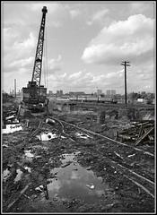 No work for the crane (geoff7918) Tags: adderleypark scrapyard thomaswward 1302coventry birmingham emu 25091982