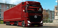 ets2_20181010_164608_00 (Marius NMG) Tags: mercedes actros mp4 giga space 1848 euro truck simulator 2 krone trailer red fury