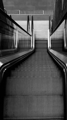 Stairs in B&W (Carlos Ardila) Tags: barranquilla 2018 colombia noviembre stairs escaleras escaleraseléctricas bw blancoynegro november escalator architecture staircase transportation modern speed urbanscene airport station indoors business subwaystation motion nopeople steps walking citylife blurredmotion builtstructure corridor