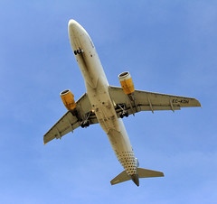 Vueling / Airbus A320-214 / EC-KDH (vic_206) Tags: vueling airbusa320214 eckdh bcn lebl