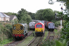 67028 on Bodmin & Wenford Railway (Kernow Rail Phots) Tags: bodmin barracks siding kernow cornwall 67028 neurot 37142 class67 class37 class08 08 signals wagons vans trees train trains railway railways bodminwenfordrailway diesel gala 1333 bodminparkway bodmingeneral friday 21st september 2018 railroad 2192018