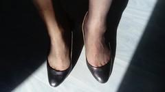 DSC_0505 (grandmacaon) Tags: highheels hautstalons toescleavage talonsaiguille lowcut lowcutshoes sexyheels stilettos