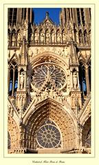 """Cathédrale Notre-Dame"" - Reims (Marne, Champagne, France) (LauterGold) Tags: wimperg tympanon mittelrosette reims cathédralenotredamedereims marne champagne patrimoinemondial weltkulturerbe unescoworldheritage kathedrale cathedral cathédrale gotik gothique"