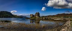 Eilean Donan Castle 1a 3p (Bilderschreiber) Tags: eilean donan castle eileandonancastle scotland schottland highlands burg cloud wolke lake see loch duich lochduich uk unitedkingdom panorama