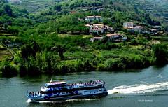 Passeio no Douro (verridário) Tags: barco água rio paisagem landscape paysage boat river douro duero barcadouro passeio people sony portugal navegar