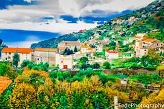 Ravello dalla montagna con case e il mare (federicoloforte) Tags: ravello costiera amalfitana italia hd case abitate mare montagna cielo nuvole