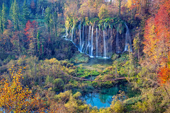 Autumn in Plitvice Lakes. (Rudi1976) Tags: plitvicelakes nationalpark waterfall autumn landscape croatia nature outdoors trees forest woods landmark traveldestination beautyinnature beautiful famous remote tourism water clean environment leaves fall season day morning europe green flowingwater stream rapids scenic lake colorful mountain
