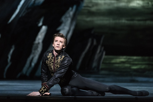 Prizes for The Royal Ballet at Benois de la Danse 2019