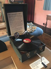 Portable Grammophone, Knole (tedesco57) Tags: record player 78rpm rpm 78 case