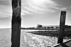 Estuaire de la Gironde (fred9210) Tags: gironde carrelets estuaire rivière bordeaux monochrome lumière soleil nuages