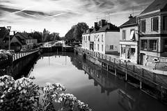 Cépoy 45 (gilles207) Tags: cépoy 45 loiret étang écluse canal nb monochrome reflet calme
