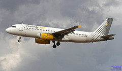 EC-LUN LMML 20-09-2018 (Burmarrad (Mark) Camenzuli Thank you for the 13.4) Tags: airline vueling airlines aircraft airbus a320232 registration eclun cn 5479 lmml 20092018