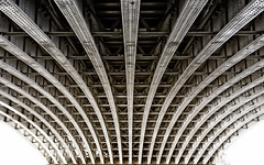London - Blackfiars Bridge from below (Walter Horstmann-Cholibois) Tags: london england blackfriars bridge brücke under great britain pixoom