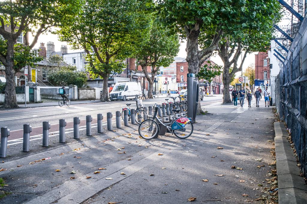 DUBLINBIKES DOCKING STATION 60 [NORTH CIRCULAR ROAD DUBLIN NEAR THE BIG TREE PUB]-144981