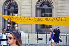 POBLE ORGANITZAT, POBLE RESPECTAT (Yeagov_Cat) Tags: pobleorganitzat poblerespectat 2018 barcelona catalunya plaçasantjaume plaçadesantjaume pancarta