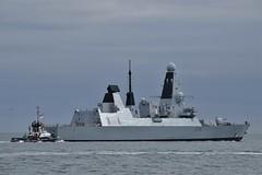 HMS Defender D36 (7) @ The Solent 08-10-18 (AJBC_1) Tags: england uk unitedkingdom ship boat vessel warship military royalnavy navy nato navalvessel rn hmsdefender d36 destroyer airdefencedestroyer britishmilitary ukmilitary dlrblog ©ajc britisharmedforces type45destroyer ajbc1 nikond5300 thesolent hampshire militaryvessel southsea tug tugboat sdindependent damen damenshipyardsgroup sercoltd harbourtug sercomarineservices