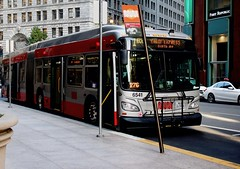 1BX-California Express to: California and Sixth Avenue (Peter Hosey) Tags: sf sanfrancisco muni 1bxcaliforniaexpress bus newflyer flagstop busstop