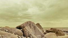 (Don Bello Photography) Tags: sommer 2018 inselrügen sassnitz strand ostsee balticsea steine colorkey acdsee panasonicfz1000 lumixfz1000 reinhardbellmann donbellophotography mecklenburgvorpommern steilküste kreideküste