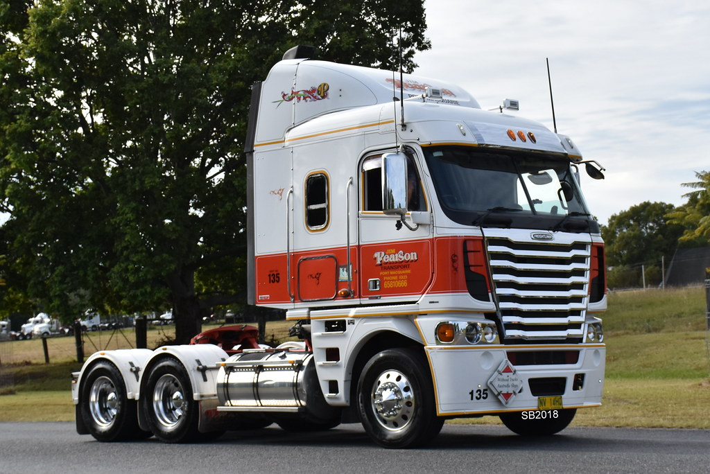 The World's Best Photos of bobtail and freightliner - Flickr