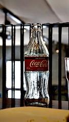 Well knwon (Carlos Ramirez Alva) Tags: macro f35 50mm fd canon beverage drink restaurante glass vidrio botella bottle mirrorless sony
