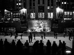 Rockefeller Center, New York (bobbex) Tags: newyork nyc manhattan bigapple bw blackandwhite blackwhite monochrome mono skating