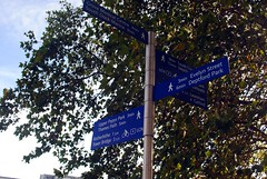Lower Pepys Park signage (zawtowers) Tags: jubilee greenway section 7 seven greenwichtotowerbridge saturday 13th october 2018 amble stroll walk walking exploring london suburbs riverthames path following urban exploration warm sunny dry blue skies lower pepys park sign direction clear accurate